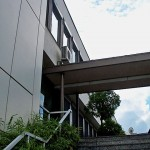 Außengerät Gebäude über Dach