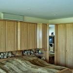 Schlafzimmer Wandgerät über Schrank