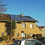 Einfamilienhaus Solarpanele Wärmepumpe