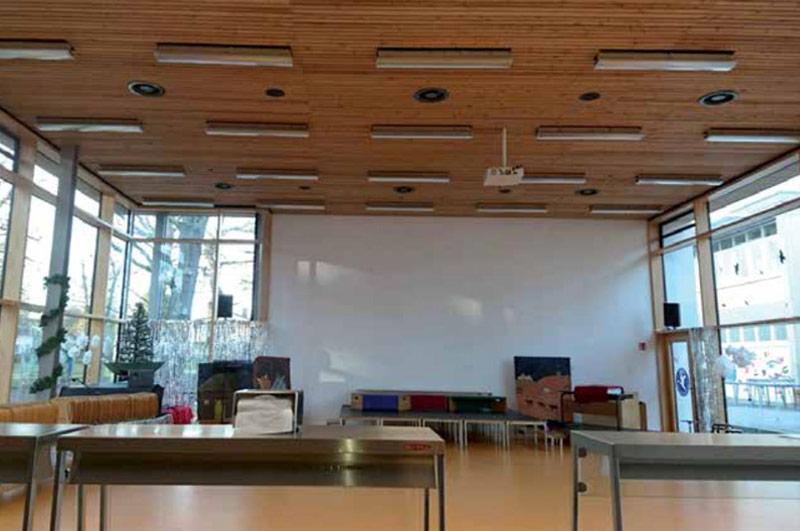 Schulmensa mit Lüftung, Klima und Warmwasser von HITACHI